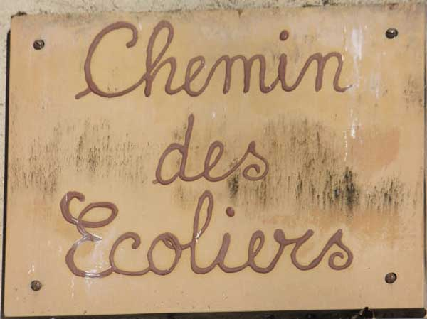 Chemin des Ecoliers sign