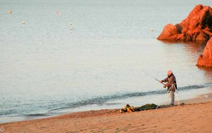 Fishing on Cannes La Bocca beach