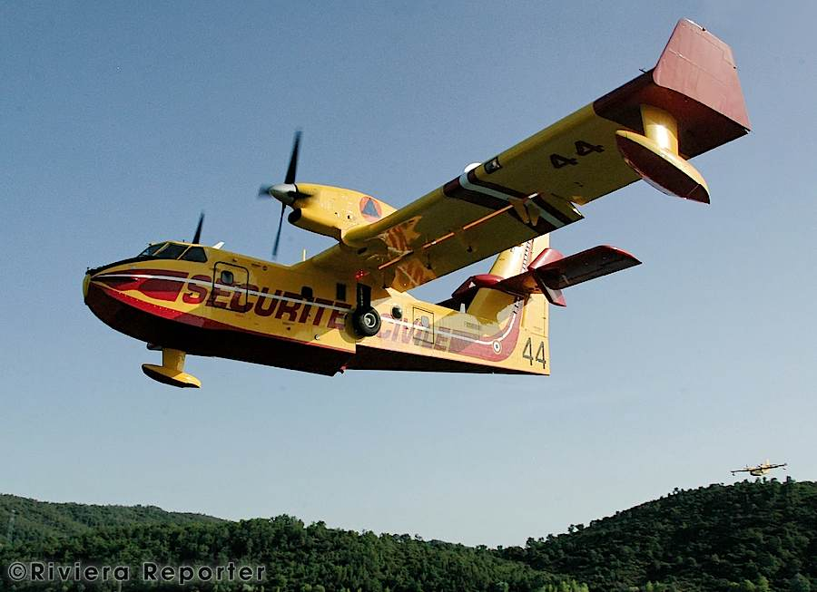 Canadair heroes doing their job 6 RRGallery